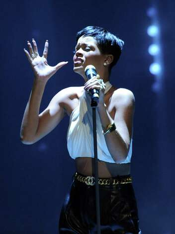 April 15: Rihanna, Toyota Center, Houston / dapd