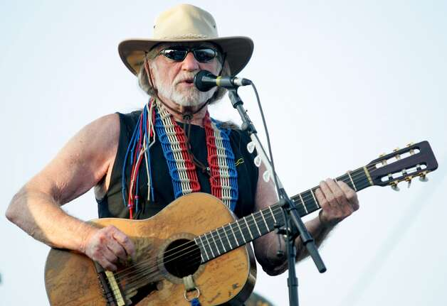 January 25: Willie Nelson, Nutty Jerry's, Winnie.