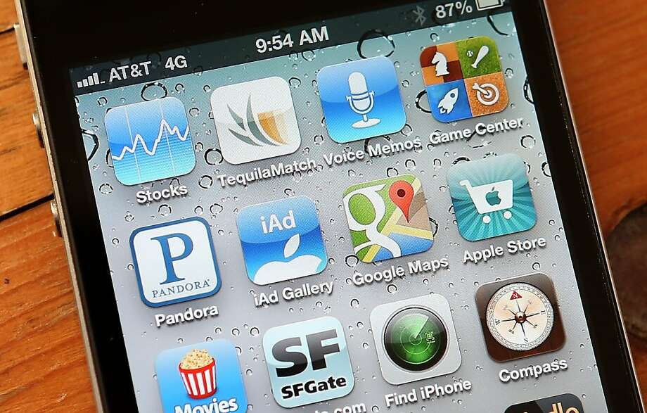 Over 2 billion apps were downloaded from the App Store in December. Photo: Justin Sullivan, Getty Images