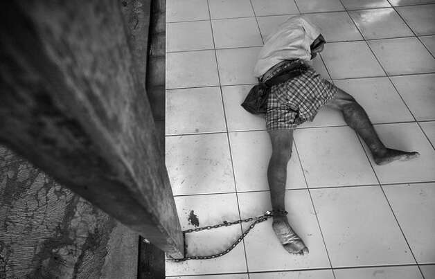 "Honorable mention: ""Captive""Photographer: Wendell PhillipsLocation