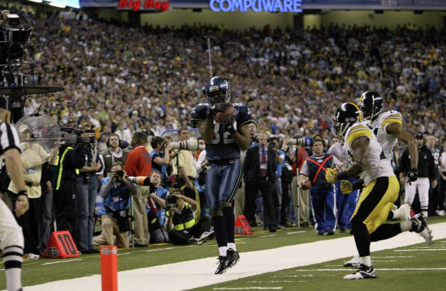 Darrell Jackson hauls in a pass from Matt Hasselbeck but is ruled out of bounds. Jackson had five catches for 50 yards but had a TD overturned in the first quarter on an offensive pass interference penalty. Photo: Dan DeLong/seattlepi.com/MOHAI