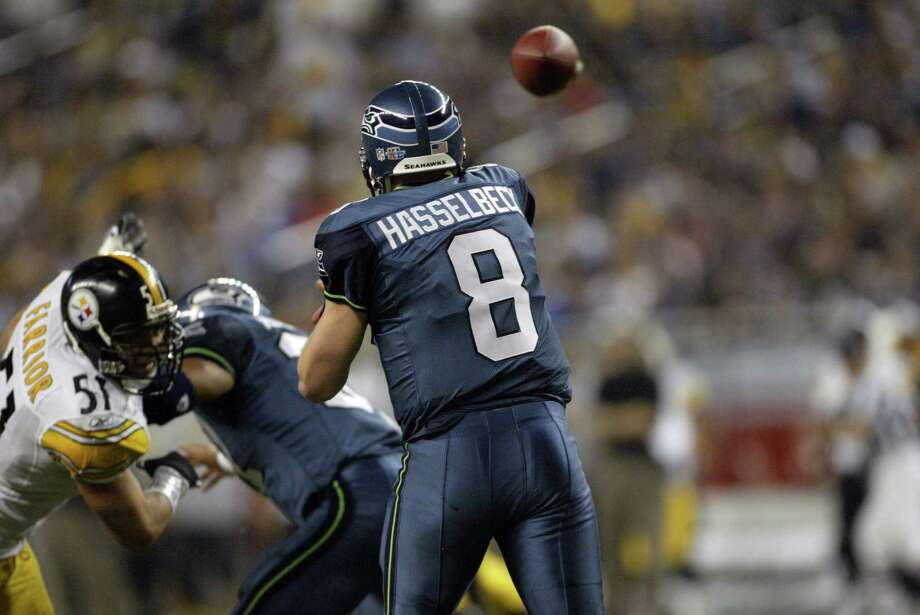 Matt Hasselbeck fires a pass. Photo: Dan DeLong/seattlepi.com/MOHAI