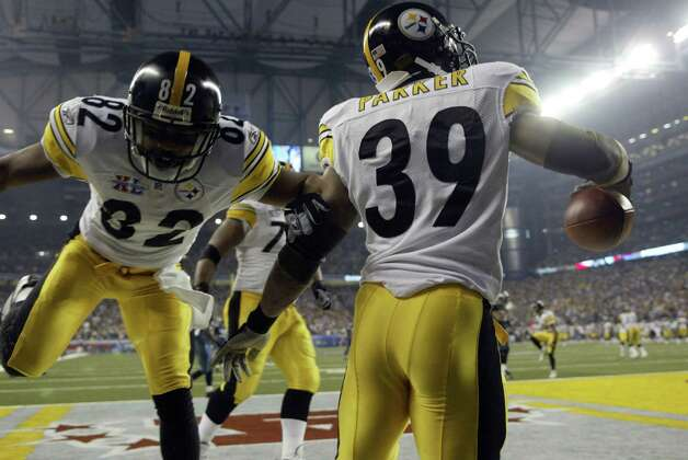 Willie Parker celebrates his TD with Antwaan Randle El (82). Photo: Dan DeLong/seattlepi.com/MOHAI