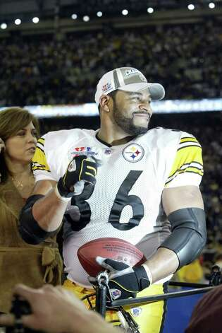 Steelers legend Jerome Bettis, who carried 14 times for 43 yards, walks away from an illustrious career as a winner. Photo: Mike Urban/seattlepi.com/MOHAI / Seattle Post-Intelligencer