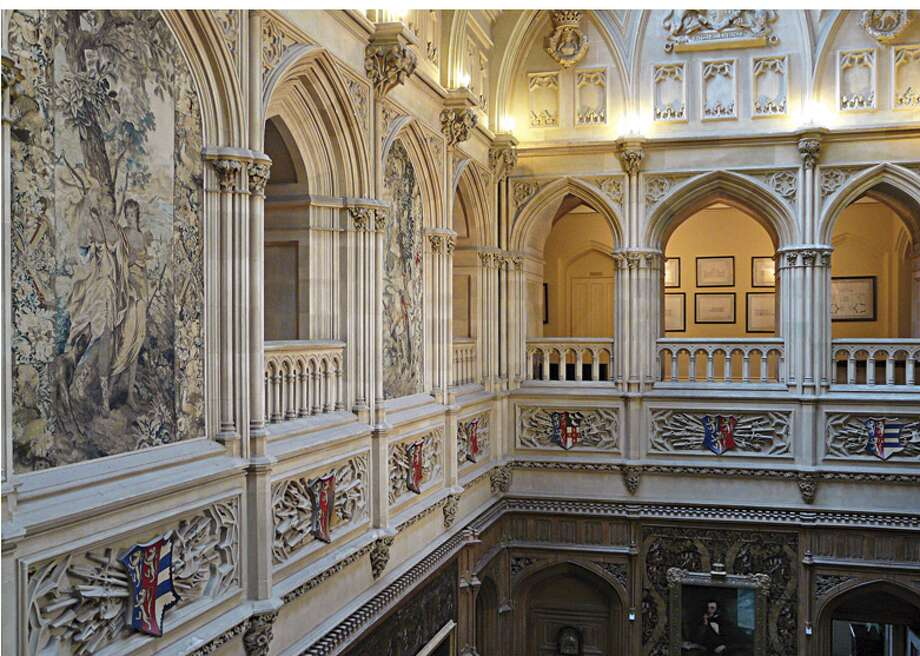 The home's gallery is a familiar sight from the show. (http://www.highclerecastle.co.uk)