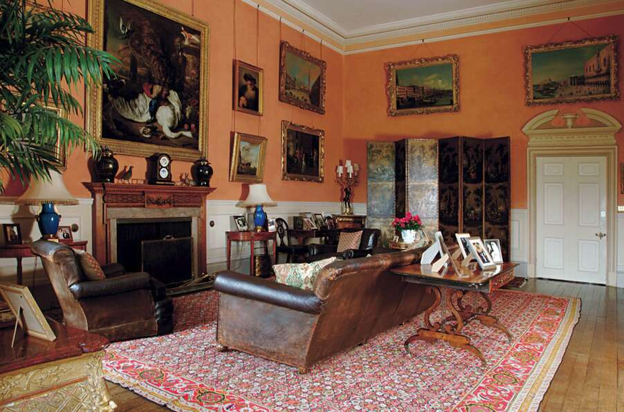 The smoking room. (http://www.highclerecastle.co.uk)