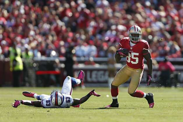 "Vernon Davis says he initially had to tell quarterback Colin Kaepernick to lighten up on his fastball in some cases, but the tight end adds: ""You better be ready."" Photo: Stephen Lam, Special To The Chronicle"