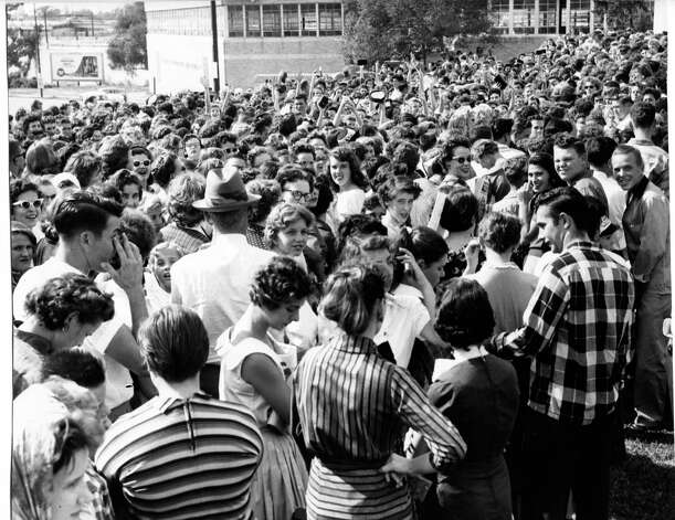 Fans wait to see Elvis Presley perform at the Coliseum in Houston, October 13, 1956. Bob Verlin / Houston Chronicle Photo: Bob Verlin, HP Staff / THE HOUSTON CHRONICLE