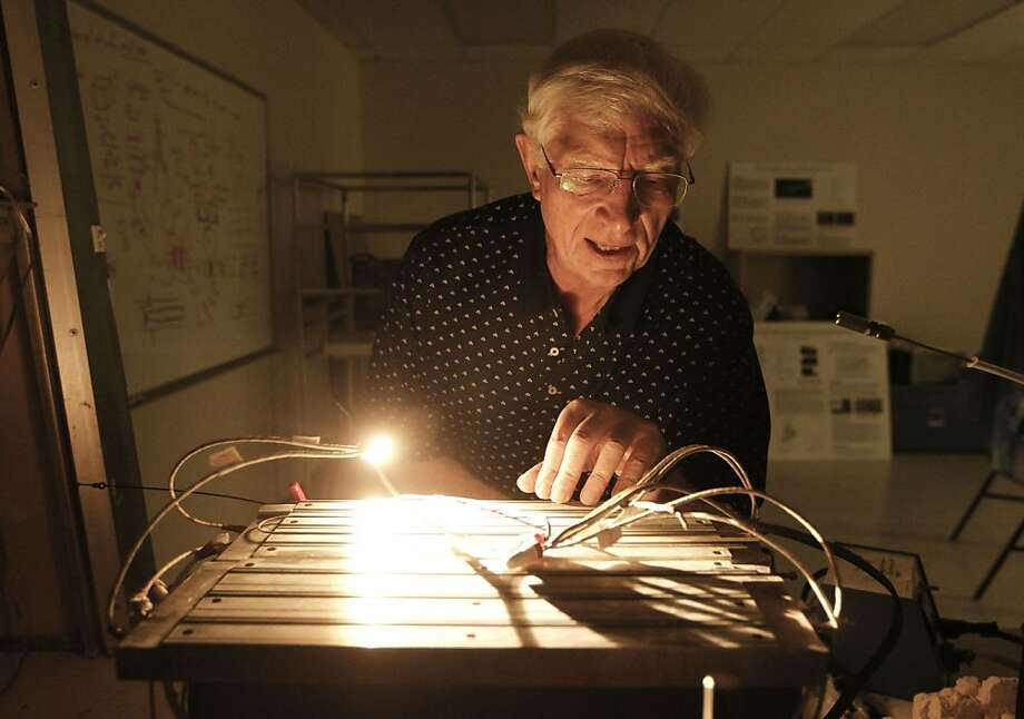 Armand Neukermans at his Sunnyvale laboratory, where research is being done to make clouds reflect more heat and light. Photo: Michael Macor, The Chronicle