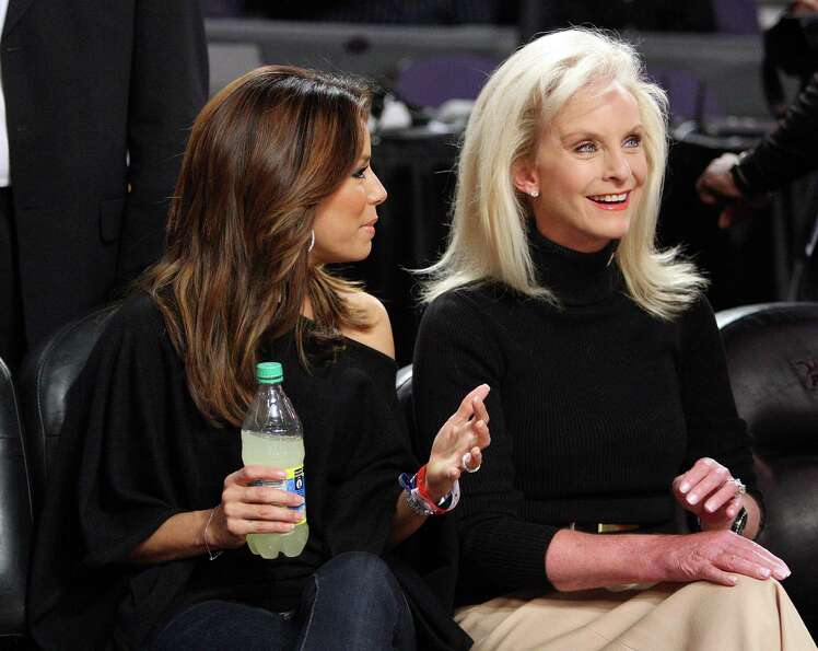 Actress Eva Longoria Parker (L) and Cindy McCain speak during the 58th NBA All-Star Game, part of 20