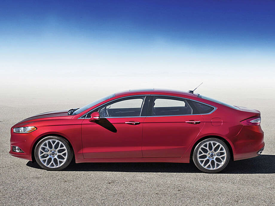 2013 Ford Fusion (photo courtesy Ford Motor Company) / Copyright 2012