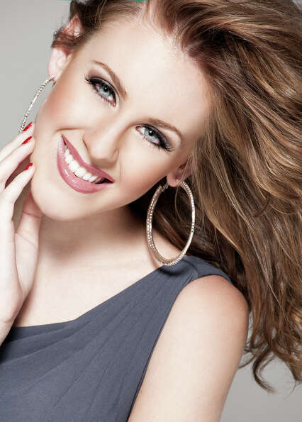 Miss North Carolina: Arlie HoneycuttTalent: VocalCareer ambition: To r