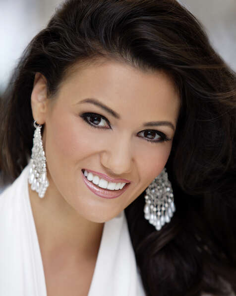 Miss New Mexico: Candice BennattTalent: DanceCareer ambition: To becom