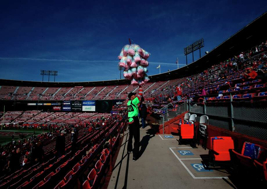 Teontee Guster is the cotton candy man, the lemonade guy and the peanut dude. At the age of 24, Teontee has been a stadium vendor for two and a half years. Photo: Stephen Lam, Special To The Chronicle / ONLINE_YES