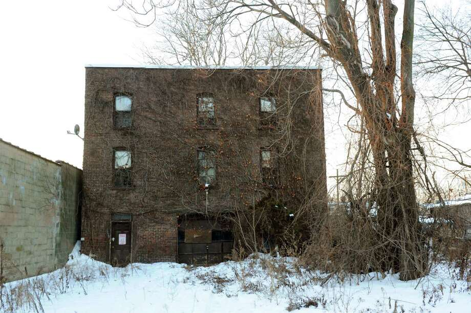 The abandoned building at 14 Myers Alley in Schenectady, N.Y., Tuesday, Jan. 8, 2013. The city agreed to sell it to Gary Pappas for redevelopment. City officials have since learned Pappas was previously convicted for embezzelment and tax fraud in Colorado. (Cindy Schultz / Times Union) Photo: Cindy Schultz / 00020698A