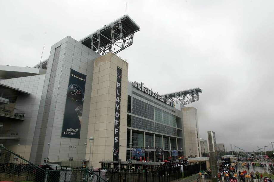 The Cougars may play their home games at Reliant Stadium while their new stadium is being built on campus. (AP Photo/Patric Schneider) Photo: Patric Schneider, FRE / AP