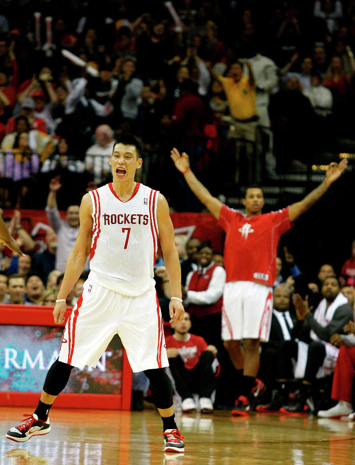 Rockets point guard Jeremy Lin finished with 19 points in the win over the Lakers. Photo: Johnny Hanson / © 2012  Houston Chronicle