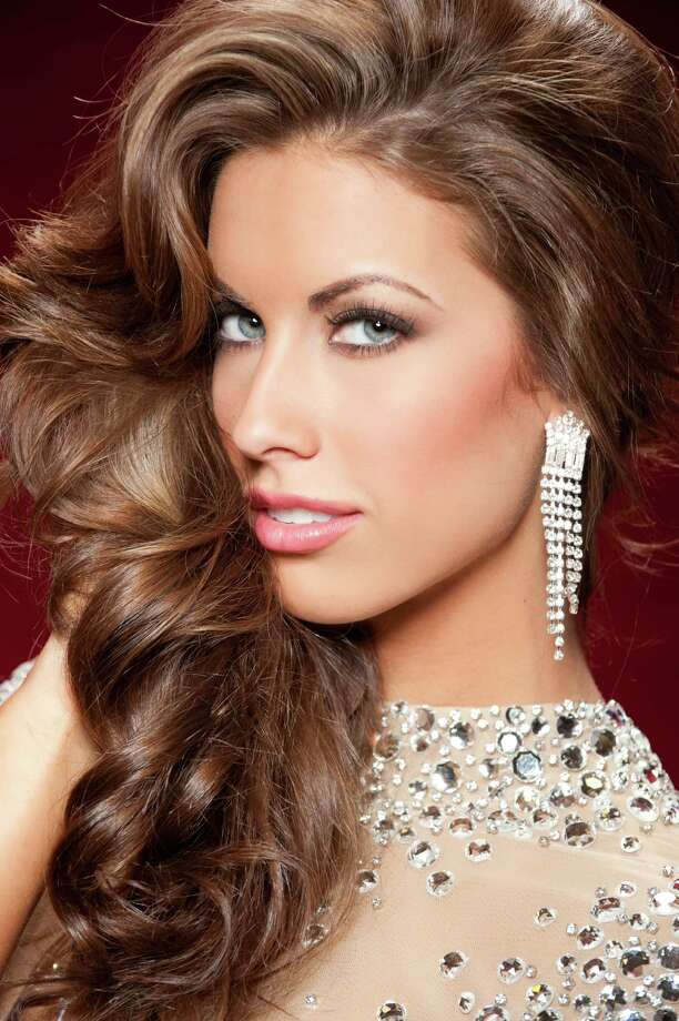Miss Alabama USA 2012, Katherine Webb, poses for photographer upon arriving to Planet Hollywood Resort and Casino, in Las Vegas, Nevada. Photo: Darren Decker, Miss Universe Organization / Miss Universe Organization