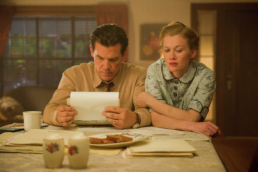 Josh Brolin as Sgt. John O'Mara and Mireille Enos as Connie O'Mara in Warner Bros. Pictures' and Vil