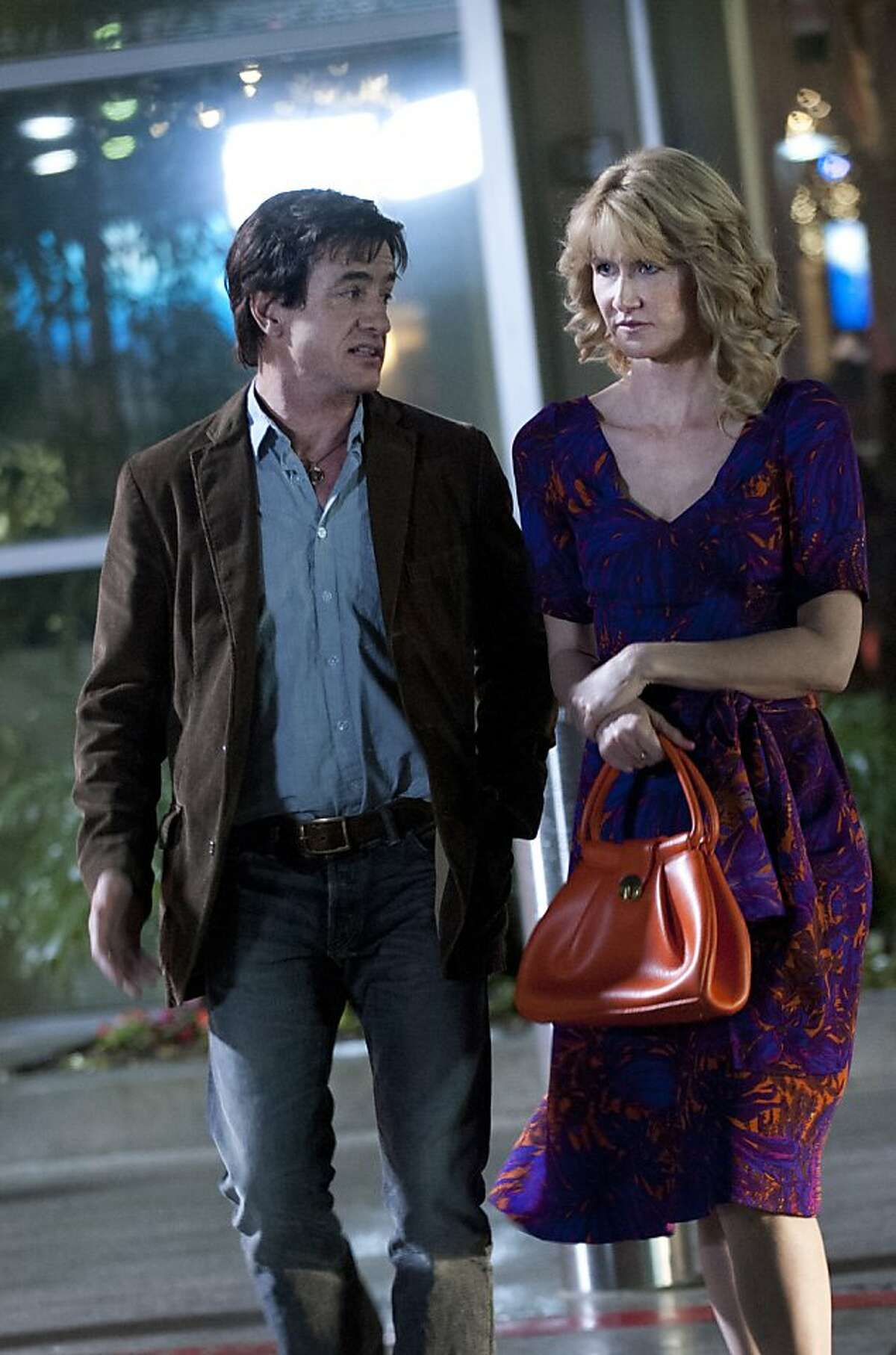 ENLIGHTENED 11 (Season 2, episode 1): Dermot Mulroney, Laura Dern.