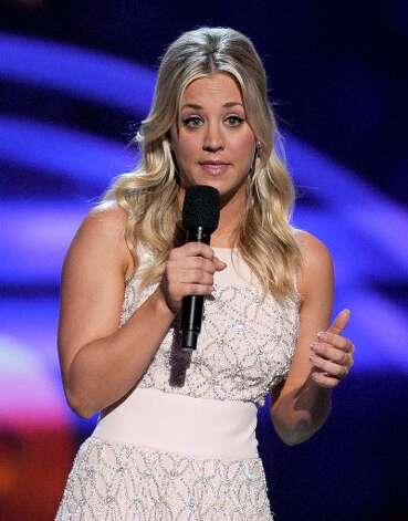 Host Kaley Cuoco commands the crowd with comedy.