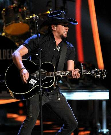 Jason Aldean performs his brand of country tunes.