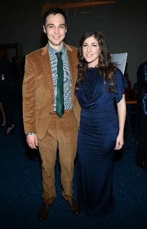 Jim Parsons and Mayim Bialik backstage at the 39th Annual People's Choice Awards.
