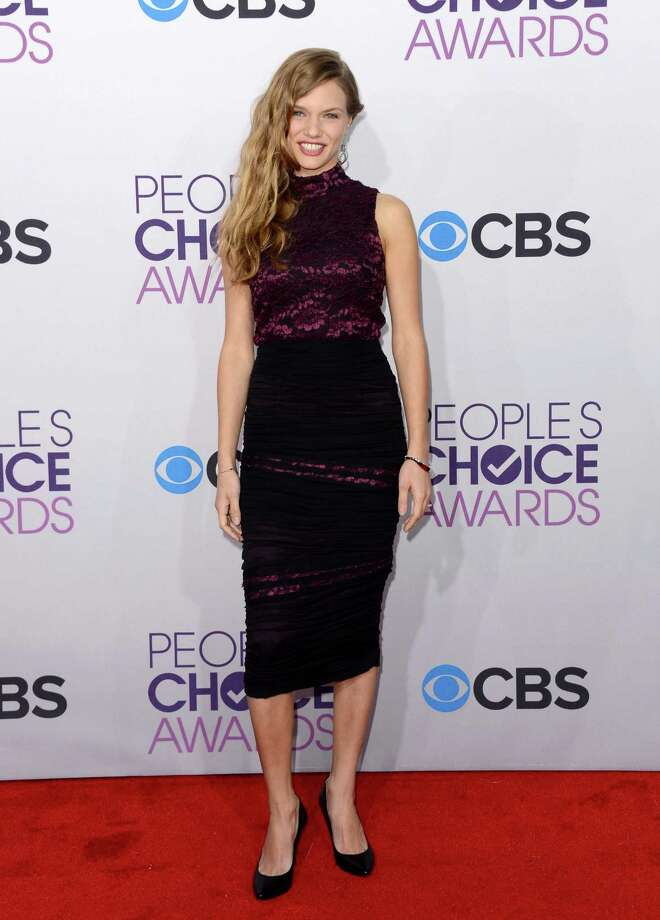 "Worst:If you don't know who Tracy Spiridakos is, you haven't been watching NBC's hit series ""Revolution."" Which brings to mind a hard and fast rule about worst-dressed lists: If you look better in your TV role as a smudged and bedraggled revolutionary than on the red carpet, you belong on the list. Photo: Jason Merritt, Getty Images / 2013 Getty Images"
