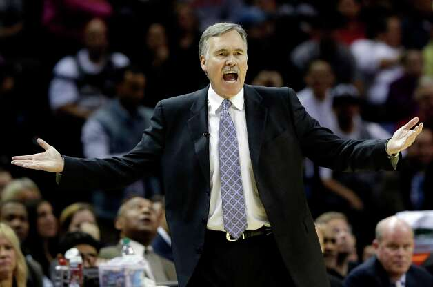 Los Angeles Lakers coach Mike D'Antoni reacts during the second quarter of an NBA basketball game against the San Antonio Spurs, Wednesday, Jan. 9, 2013, in San Antonio. Photo: Eric Gay, Associated Press / AP
