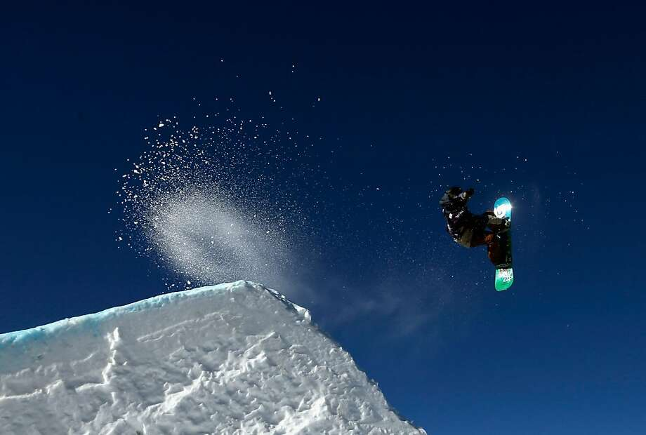 Benjamin Comber of New Zealand competes during the qualifications of the men's FIS Snowboard Slope Style World Cup at the US Grand Prix on January 9, 2013 in Copper Mountain, Colorado. Photo: Ezra Shaw, Getty Images