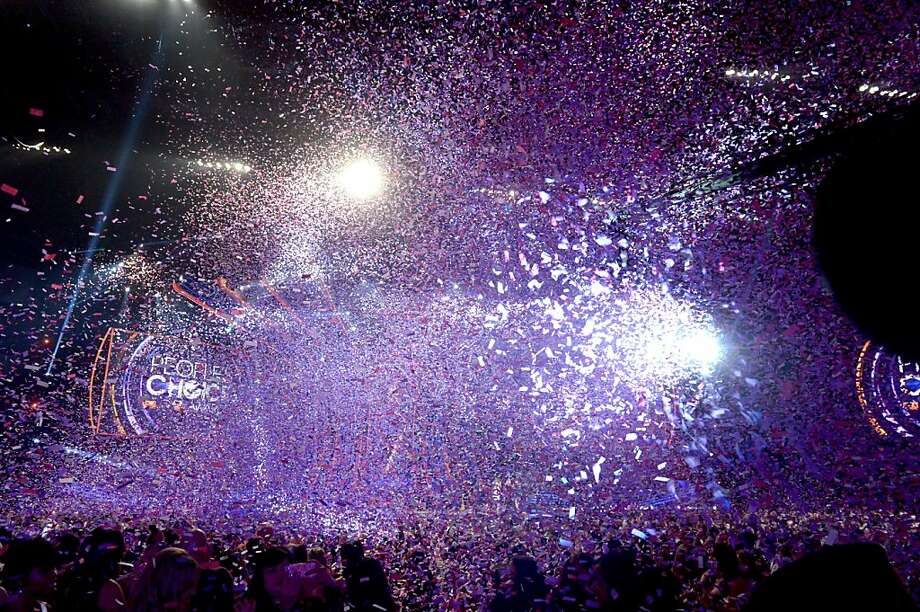 A general view of atmosphere is seen onstage at the 39th Annual People's Choice Awards  at Nokia Theatre L.A. Live on January 9, 2013 in Los Angeles, California. Photo: Kevin Winter, Getty Images For PCA