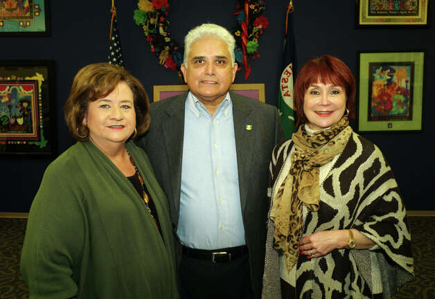 Norma Reyes (from left), Fernando Reyes and Marcie Ince gather at the Fiesta Commission meeting. Photo: Leland A. Outz, For The Express-News / SAN ANTONIO EXPRESS-NEWS
