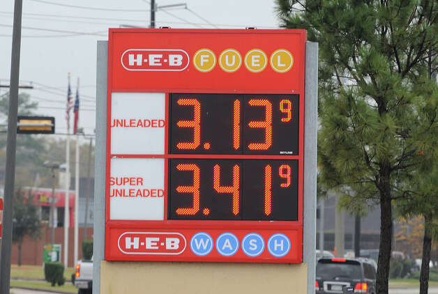 Gas sign at H-E-B Photo taken Thursday, January 10, 2013 Guiseppe Barranco/The Enterprise Photo: Guiseppe Barranco, STAFF PHOTOGRAPHER / The Beaumont Enterprise