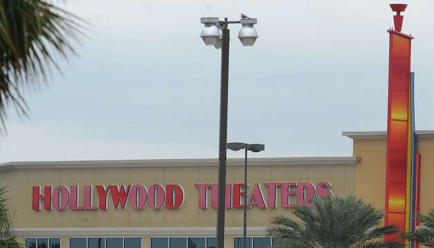 Hollywood Theaters near Parkdale Mall. Photo taken Thursday, January 10, 2013 Guiseppe Barranco/The Enterprise Photo: Guiseppe Barranco, STAFF PHOTOGRAPHER / The Beaumont Enterprise