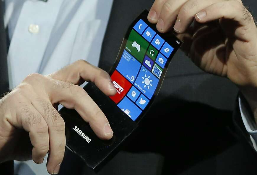 A prototype Windows smartphone has a flexible display for durability and convenience.