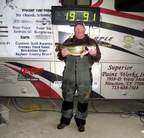 Ricky Guy won the Big Bass honors with his nice 8.96 pounder!