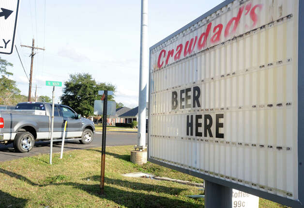Crawdad's is one of the first convenience stores to sell alcohol in Lumberton. Photo taken Thursday, January 10, 2013 Guiseppe Barranco/The Enterprise Photo: Guiseppe Barranco, STAFF PHOTOGRAPHER / The Beaumont Enterprise