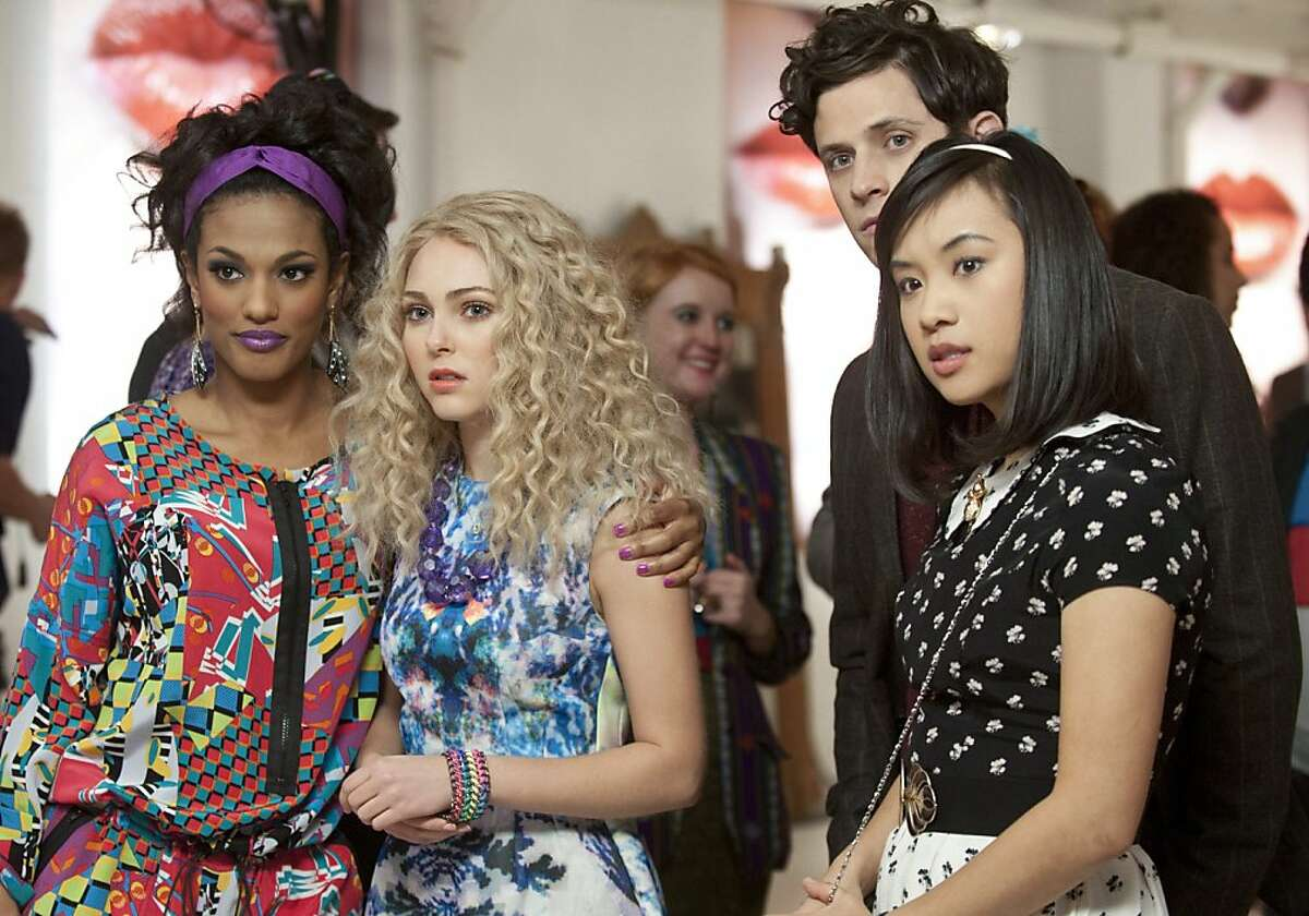 """The Carrie Diaries -- """"Read Before Use"""" -- Pictured (L-R): Freema Agyeman as Larissa, AnnaSophia Robb as Carrie, and Ellen Wong as Mouse"""