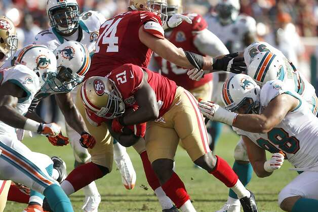 Frank Gore gets fewer opportunities to improvise in an offense built not around his skills but those of Colin Kaepernick. Photo: Carlos Avila Gonzalez, The Chronicle