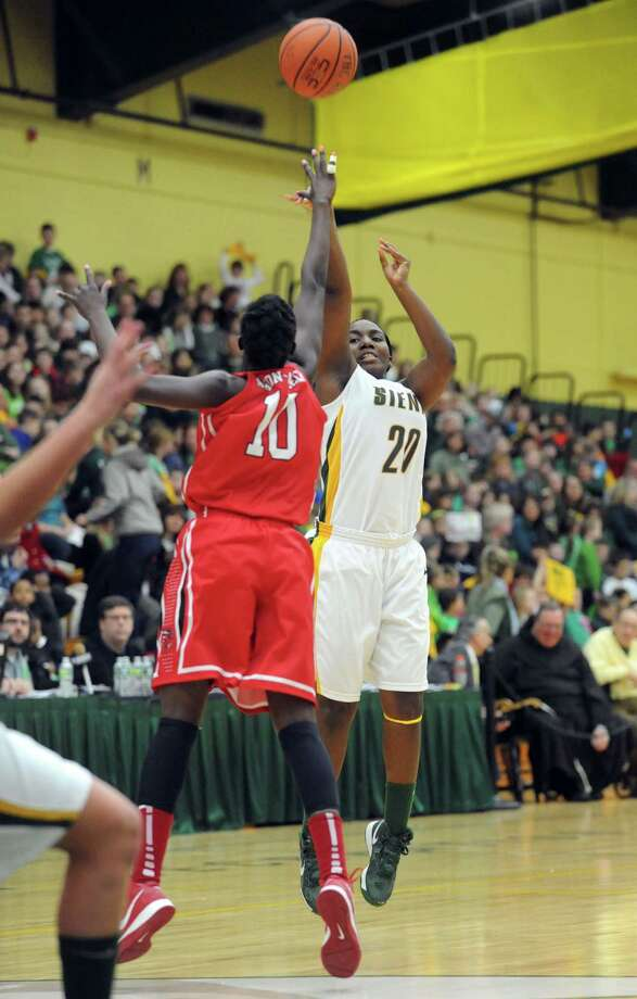 Siena's Kanika Cummings puts up a shot during a midday game against Fairfield Thursday, Jan. 10, 2013, in Loudonville, N.Y. (Michael P. Farrell/Times Union) Photo: Michael P. Farrell