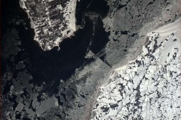 Hadfield Tweets: Confederation Bridge, PEI, Canada, quite a drive in bad weather.
