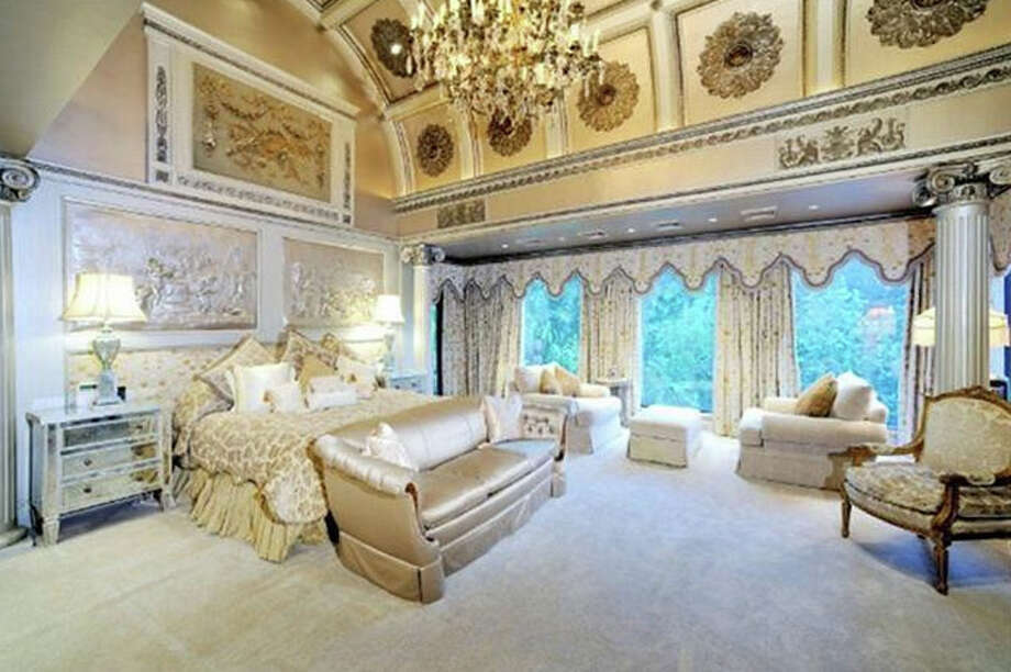 A 25,000-square foot Houston home is attracting numerous suitors after the owners dropped the price by more than $13 million. Photo: Prime Texas Properties