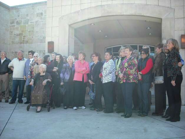 Shavano Park leaders honor past and present members of the Shavano Park Women's Club in a 60th anniversary gathering Jan. 10 at City Hall. Photo: Edmond Ortiz / North Central New