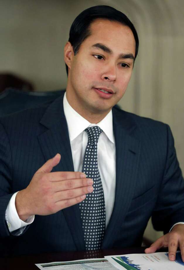 San Antonio Mayor Julian Castro speaks during a meeting of San Antonio Water System officials and the San Antonio Express-News Editorial Board.     Friday, Jan. 11, 2013 Photo: Bob Owen, San Antonio Express-News / ©2013 San Antonio Express-News