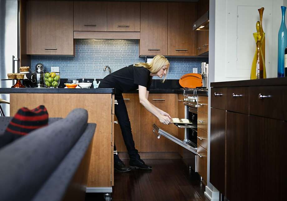 When a commercial kitchen wasn't available, that took a slice out of Patricia Kline's pie business. Now she can bake at home. Photo: Russell Yip, The Chronicle