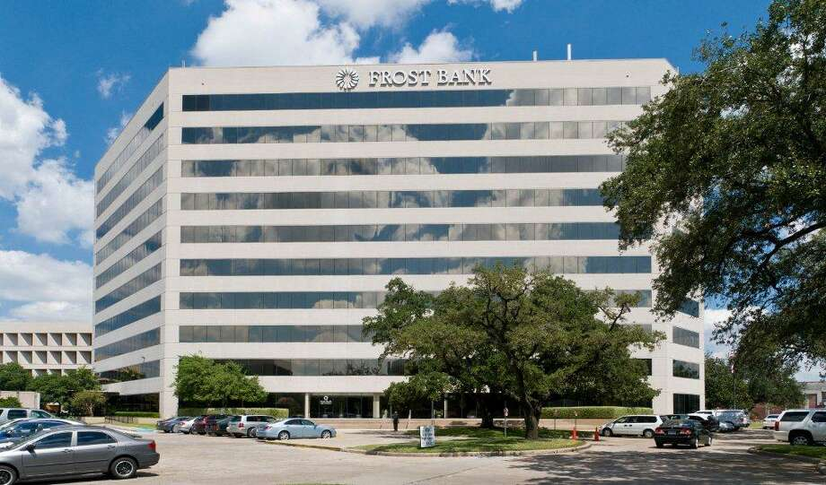 A partnership of Investcorp and Griffin Partners has purchased the Pin Oak Park office complex in Bellaire. The 6750 West Loop South building is one of five in the complex, which will be managed by Griffin. Photo: Courtesy Photo
