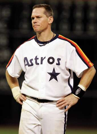 FILE - This Sept. 28, 2007 file photo shows Houston Astros' Craig Biggio grimacing during a baseball game against the Atlanta Braves in Houston. Steroid-tainted stars Barry Bonds, Roger Clemens and Sammy Sosa have been denied entry to baseball's Hall of Fame with voters failing to elect any candidates for only the second time in four decades. Biggio, 20th on the career list with 3,060 hits, topped the 37 candidates with 68.2 percent of the 569 ballots, 39 shy of the 75 percent needed. (AP Photo/Pat Sullivan, File) Photo: Pat Sullivan, STF / AP