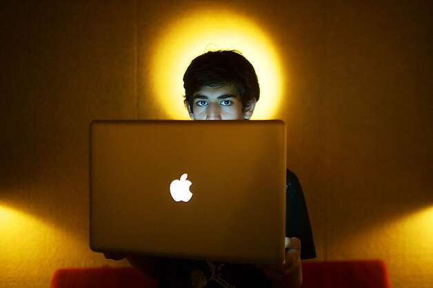 Aaron Swartz, shown in 2009 in Miami Beach, committed suicide Friday. He was facing federal charges for hacking. Photo: Michael Francis McElroy, Associated Press