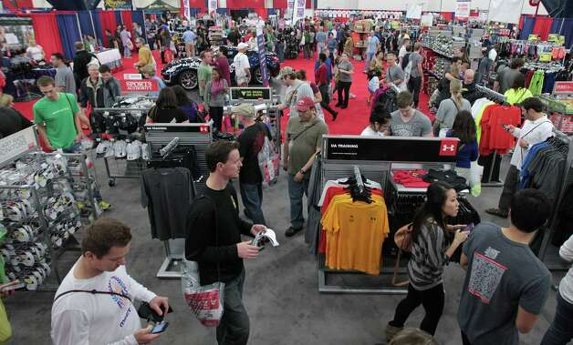 Thousands of runners and spectators attend the Chevron Houston Marathon Expo at the George R. Brown Convention Center Saturday, Jan. 12, 2013, in Houston. Photo: James Nielsen, Chronicle / © Houston Chronicle 2013
