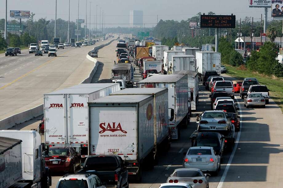 Many drivers in the Conroe area are relieved to see the long-running freeway project completed. One motorist who commutes daily from Huntsville to The Woodlands says her drive is now 30 minutes shorter. Photo: Johnny Hanson, Staff / © 2012  Houston Chronicle